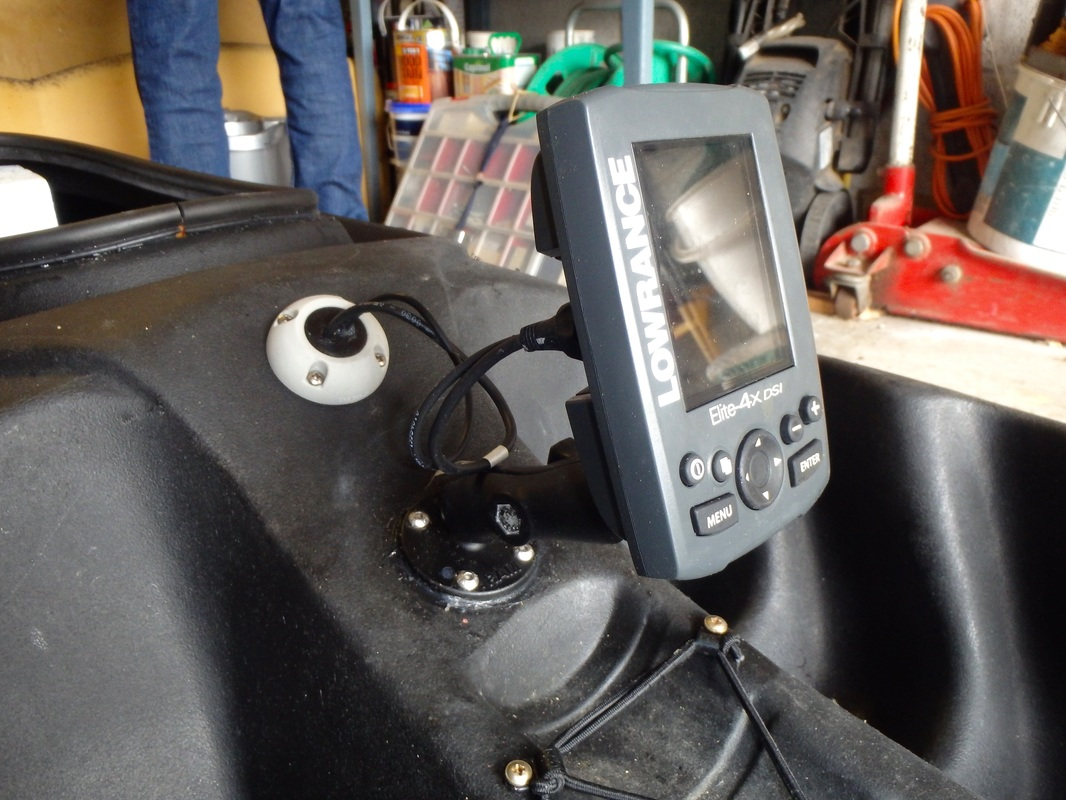 Fitting a fishfinder on an RTM Tempo