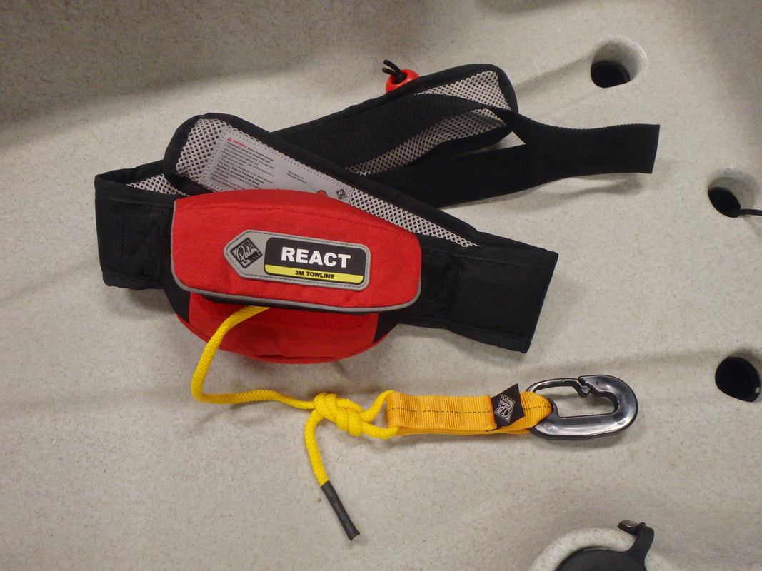 Waist mounted tow line for kayaking - Palm React